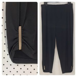 Chico's Soft Crop Pant w/ Gold Hardware Detail